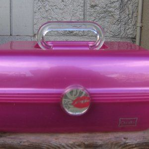 Caboodles On-The-Go Girl Fuschia Pearl Clsc Case